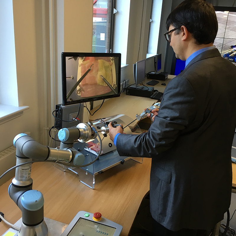 Experimentarium: Robot-assisted surgery